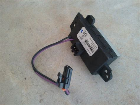 how to replace blower motor resistor 2004 silverado blower motor runs when ignition is chevrolet forum chevy enthusiasts forums