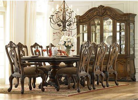villa clare dining table havertys