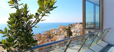soggiorno sicilia offerte hotel 4 stelle sul mediterraneo per vacanze estive al mare
