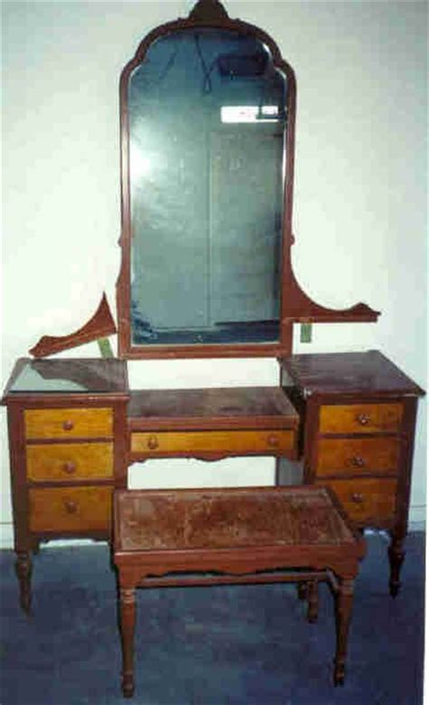 1920 Bedroom Furniture 1920s Antique Bedroom Furniture Collectibles General Antiques Sligh Bedroom Suite My