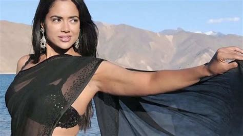 heroine ke photo dekha the lost heroine sameera reddy hindi movie news