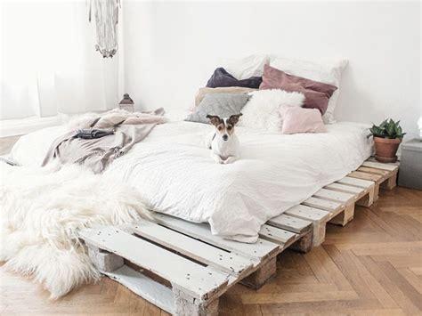 futon selber bauen diy anleitung einfaches bett aus paletten selber bauen