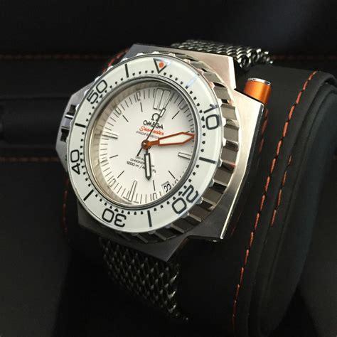 Kp2039 Box Jam Tangan Tempat Jam Tangan Box Bantal Kode Tyr2095 1 jual beli tukar tambah service jam tangan mewah arloji original buy sell trade in service