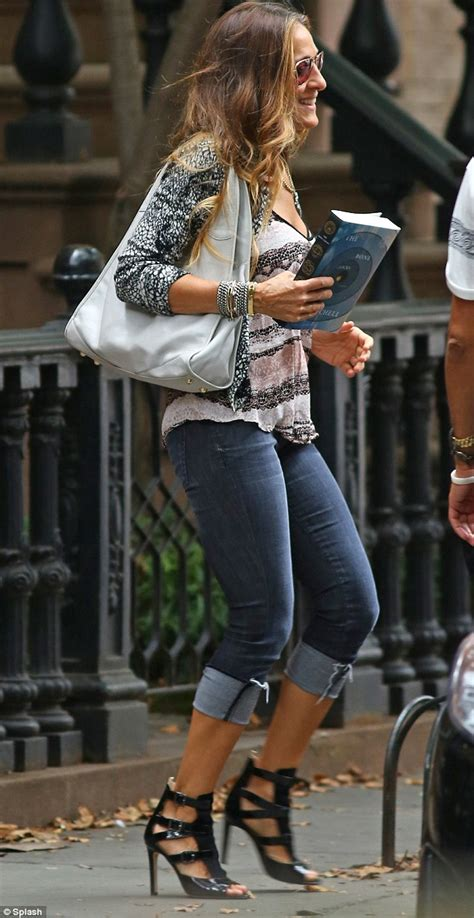 Oversized Clocks by Sarah Jessica Parker Leaving Her Home Carrying Novel The
