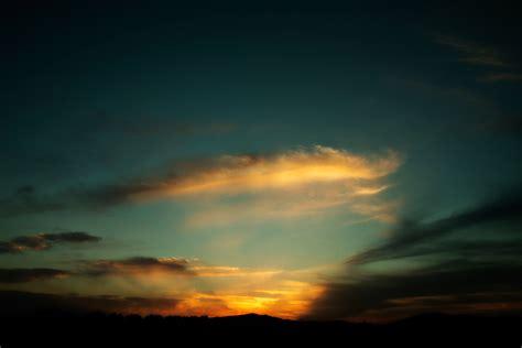 Glowing Malam Lanjutan Malam Maintenance gambar laut alam horison gunung awan matahari terbit matahari terbenam sinar matahari