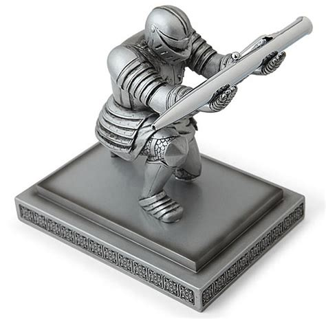 executive knight pen holder your pen sir knight pen holder craziest gadgets
