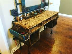 Reclaimed Wood Vanity Table 25 Best Ideas About Pallet Vanity On Corner Vanity Corner Vanity Table And Small