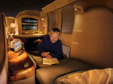 emirates youtube first class emirates a380 first class toronto to dubai 2 2 youtube