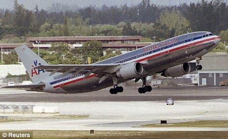 american airlines passenger jet nearly collides with two