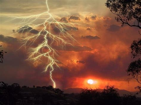 Awesome Lighting surviving a lightning storm wild backpacker