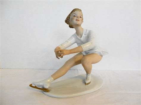 wallendorf ice skater figurine