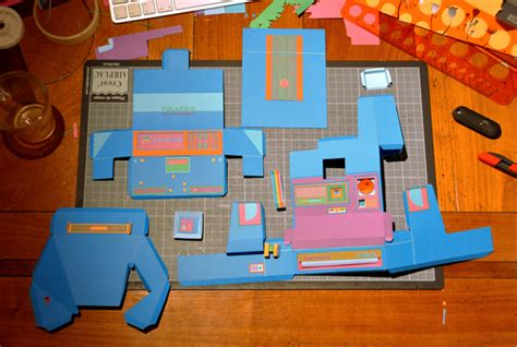 How To Make Paper Gadgets - flashy papercraft gadgets make