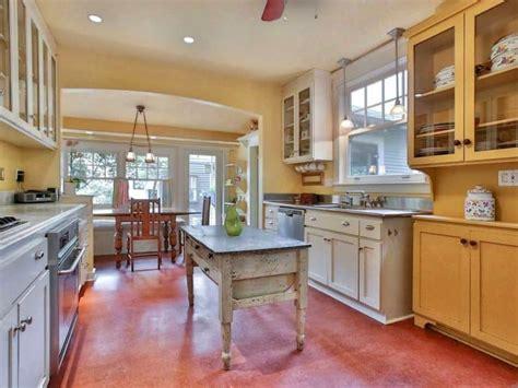 small kitchens  island ideas decor outline