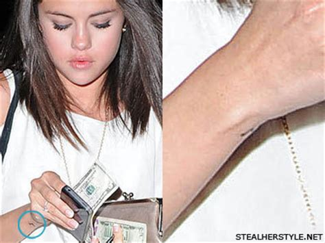 does selena gomez have a tattoo dose selena gomez really a selena gomez