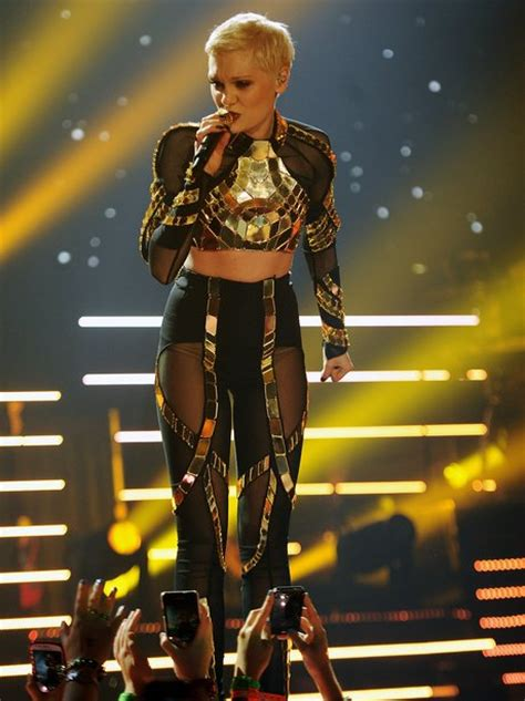 jessie j us tour jessie j looks stunning and glitters in gold for another
