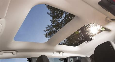 jeep renegade removable roof facts about the adorable 2015 jeep renegade surface the