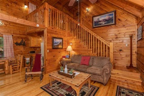 Cabin In Woods For Rent by Cabin In The Woods A Pigeon Forge Cabin Rental