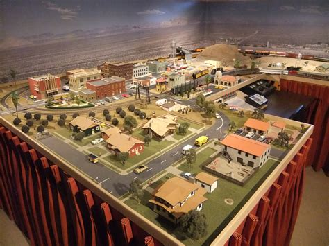 ho layout video model train show bay area 02 ho train town layouts quotev