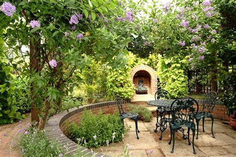 Designs For Small Gardens Ideas Free Stuff She Club Small Garden Design Ideas