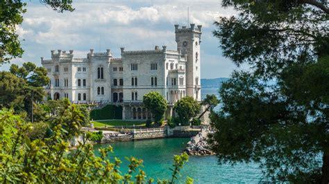 La Di Trieste by Di Miramare
