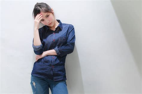 creative wallpaper girl jeans women face jeans standing look asian wallpaper