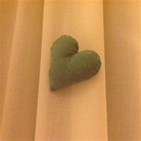 tende con cuori tende con mantovana a quadretti verde fiocchi e cuori