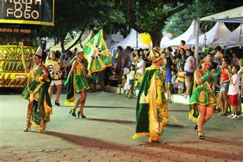 ladario disney p 233 rola news terceira noite de carnaval em lad 225 tem