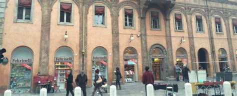 libreria donne bologna feltrinelli bologna direttore quot leggo pochi libri di