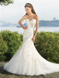 elegance mermaid gown with a feminine sweetheart neckline