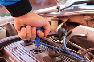 how to tell if your car needs a new battery how to tell if your car needs a tune up auto repair