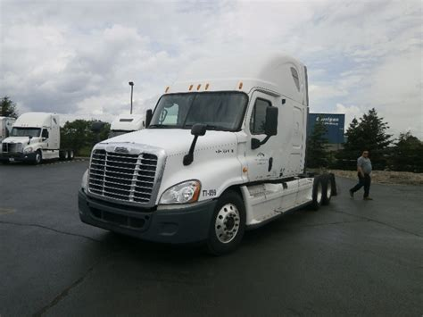 kenworth rochester ny used heavy duty tractors trucks in ny for sale penske
