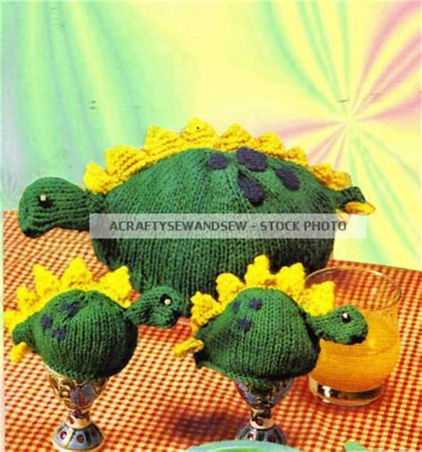 knitting pattern for chicken egg cosy 487 best images about knit egg and bottle cozy pattern on