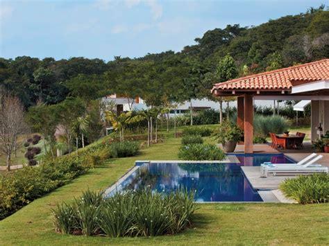 imagenes jardines con piscina el secreto para integrar f 225 cilmente la piscina al jard 237 n