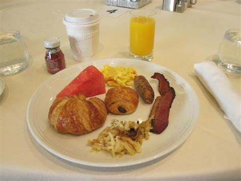 breakfast buffet picture of fontainebleau miami beach