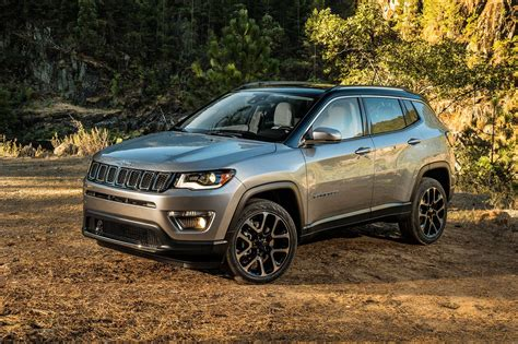 New Jeep Compass New Jeep Compass Unveiled At La Auto Show By Car Magazine