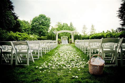 rose petal aisle runner for outdoor wedding ceremonies