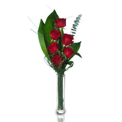 mazzo di fiori per san valentino come inviare fiori per san valentino floraqueen italia