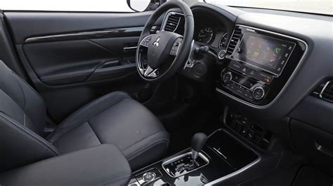 outlander mitsubishi inside 2017 mitsubishi outlander gt interior and exterior