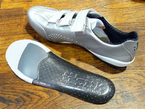 fizik road bike shoes fizik lightens up with r3 sl and white r1 road bike shoes
