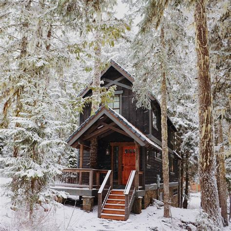 Cabins For New Year by 15 Airbnb Cabins To Rent This Winter The Everygirl