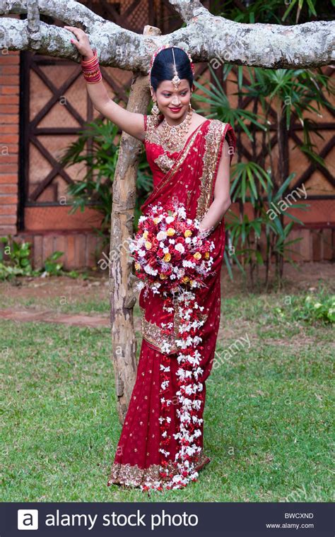 Wedding Photos In Sri Lanka by Traditional Sri Lankan Following Wedding Sri