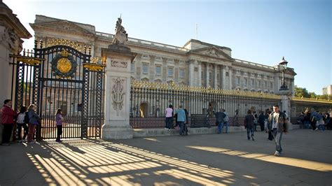 the best places in buckingham palace big buckingham palace in expedia