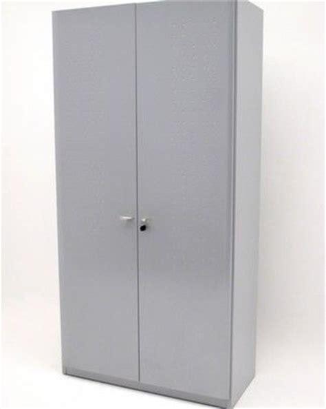 armoire métal pas cher armoire de bureau metallique pas cher