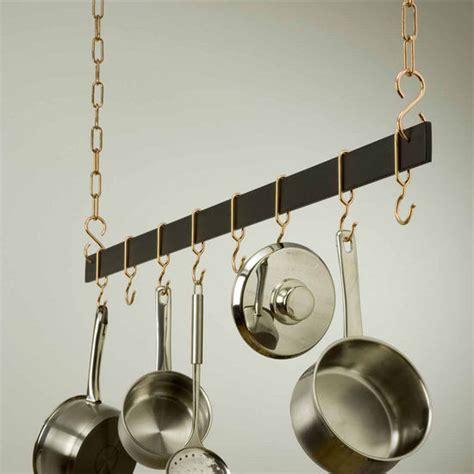klosett mit wasserreinigung bakers rack with pot hooks s hooks kitchen pot pan