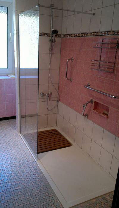 Dusche Umbauen Ebenerdig by Umbau Badwanne Auf Dusche Ihr Badewannendoktor
