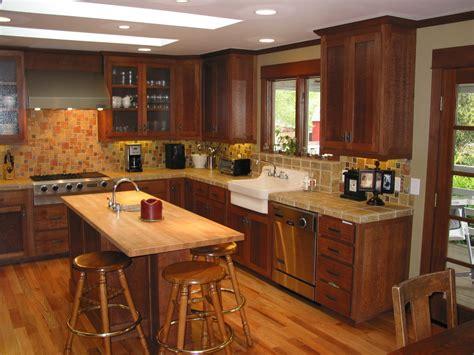 quarter round kitchen cabinets white kitchen cabinets with stained quarter round white