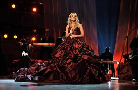 carrie underwood kings and queens song carrie underwood garth brooks in acm awards commemorative