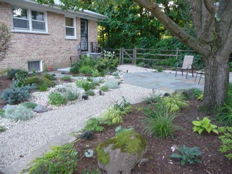 Gravel Lawn No Lawn Backyard Gravel Walkway Design Green Landscapes