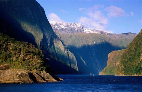 Natural Wonders | 1 natural wonder