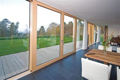Fenster Lackieren Bei Regen by Bau M 246 Beltischlerei Glaserei Timme Ct Holz
